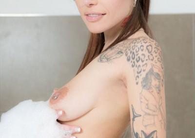 Lesbian-Jacuzzi-041