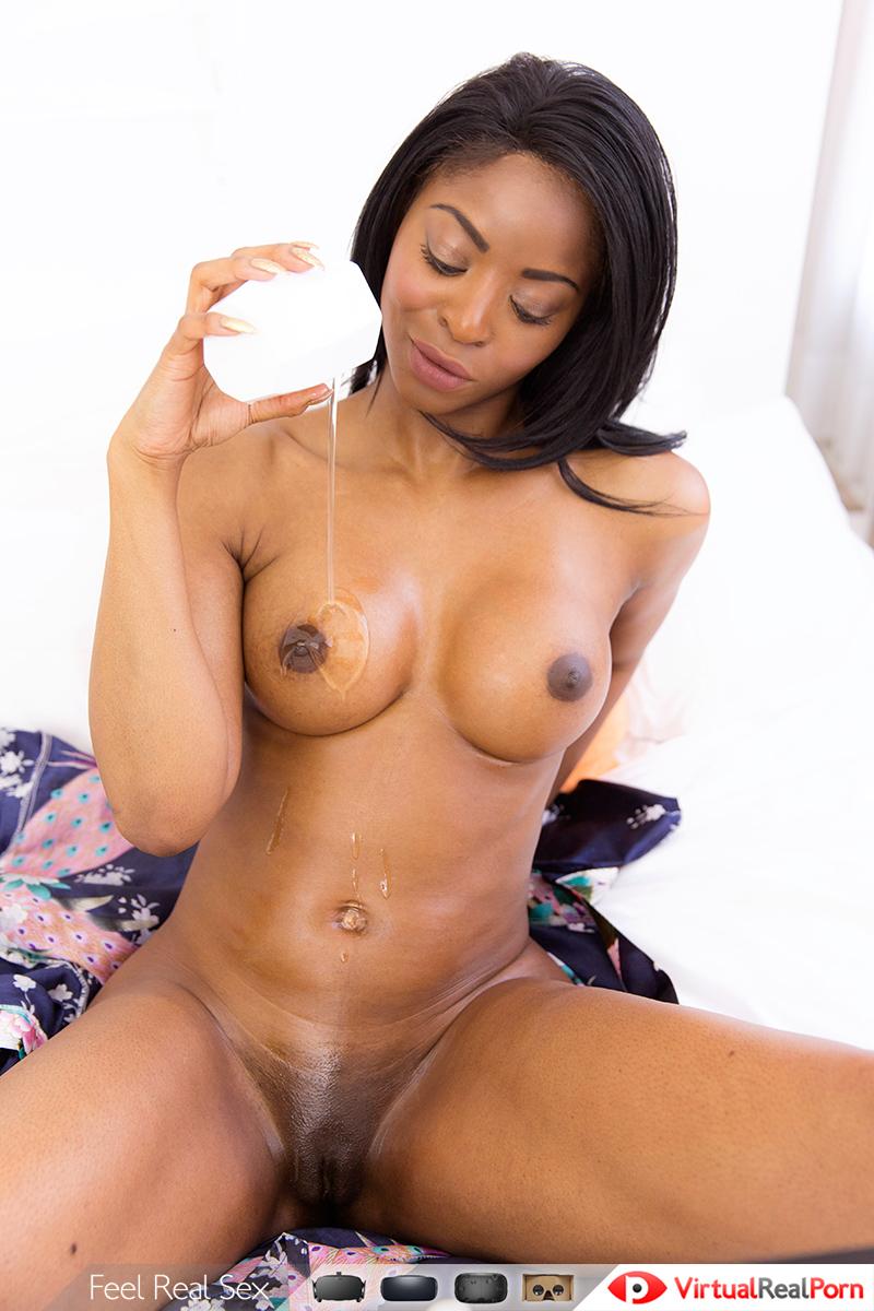 Ebony nude cam
