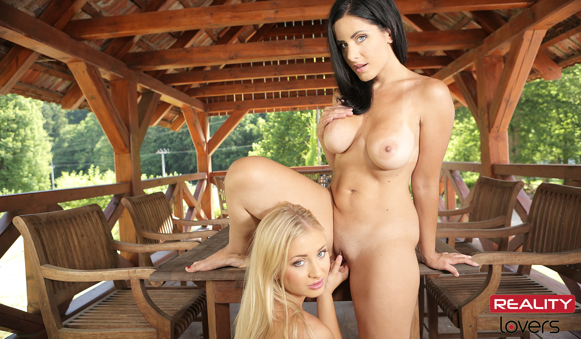 Lesbian Summerhouse VR Porn