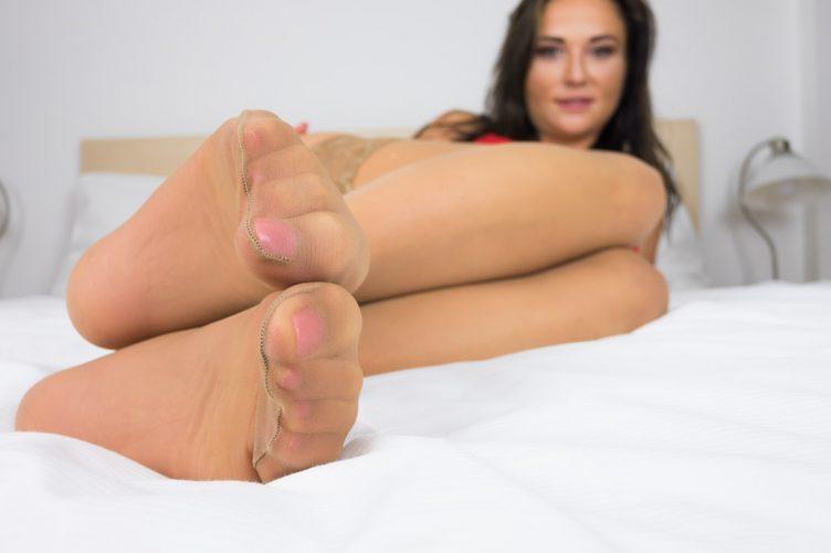 Niki Sweet Foot Fetish VR Porn