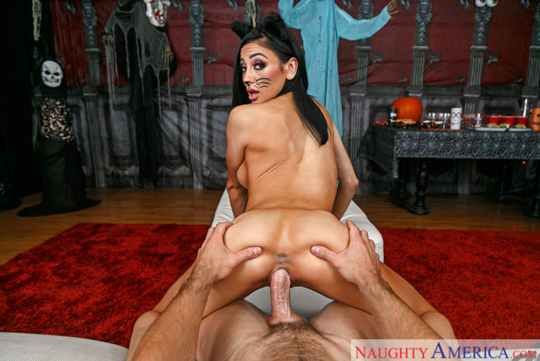 Audrey Bitoni In Trick Her Treat