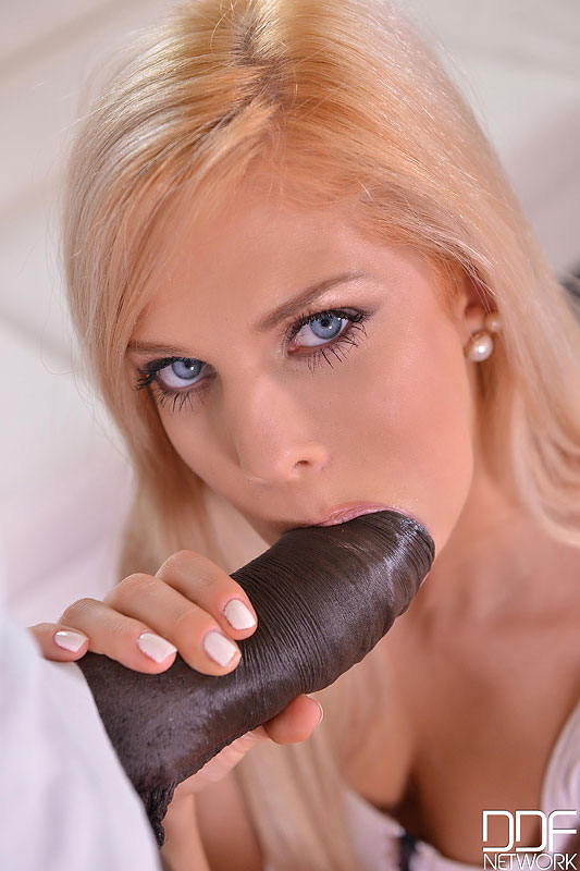 Yoga Mat Banging - Huge Black Dick Crams Shaved Tight Pussy VR Porn
