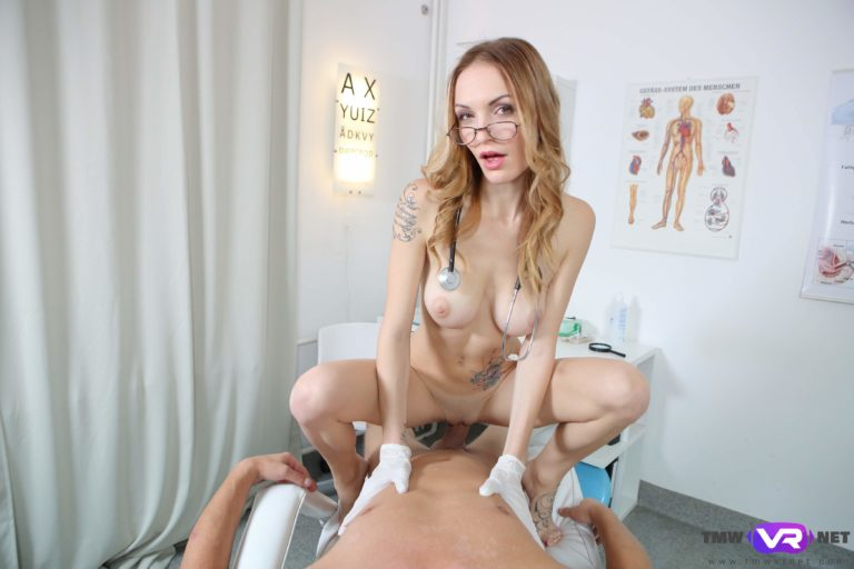 Sexy doctor pleases patient VR Porn