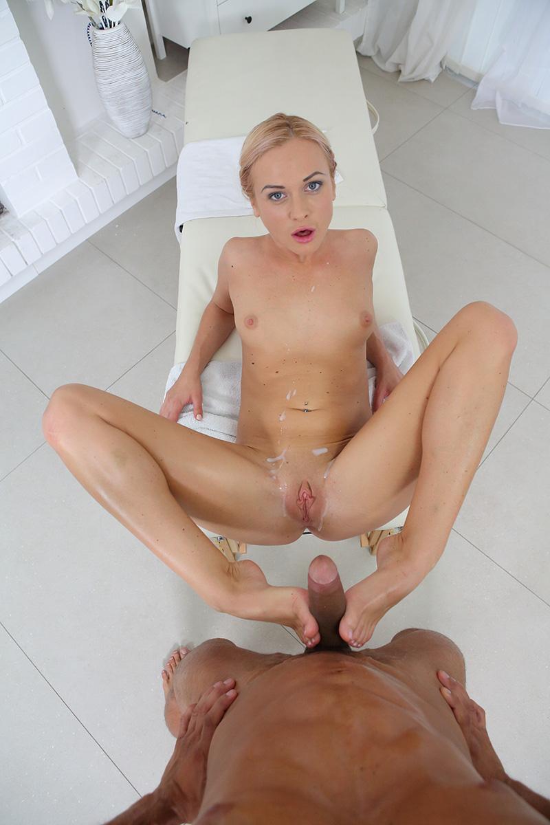 Hot Massage VR Porn