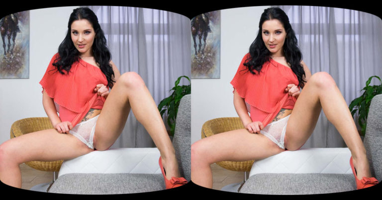 Horny afternoon with Lucia