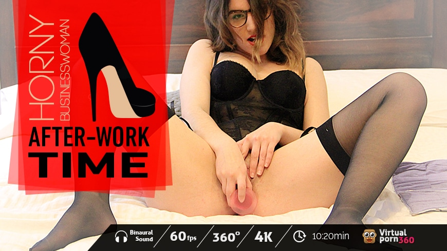 Horny businesswoman: After-Work Time!