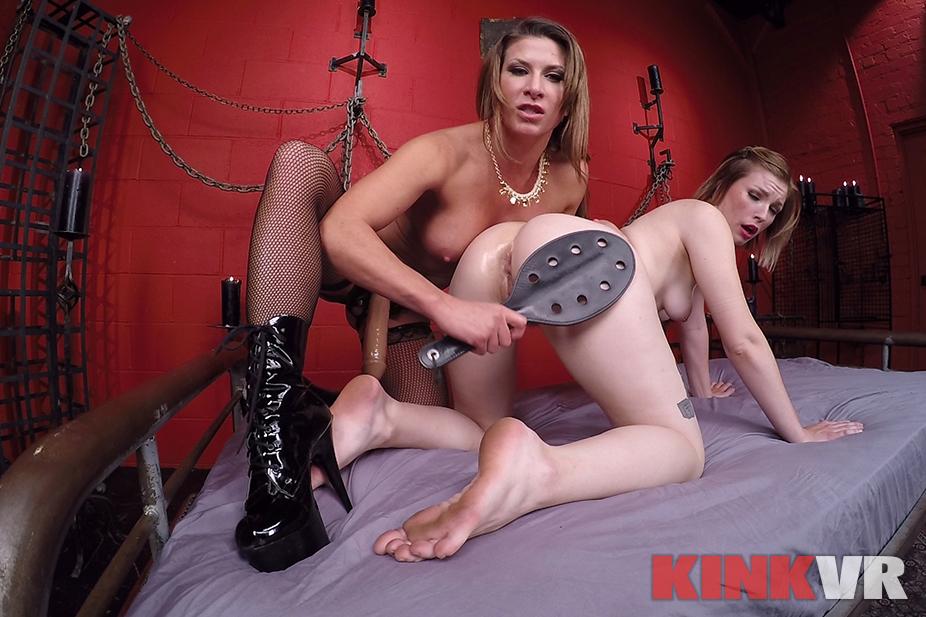 Lesbian Strap-on Fucking