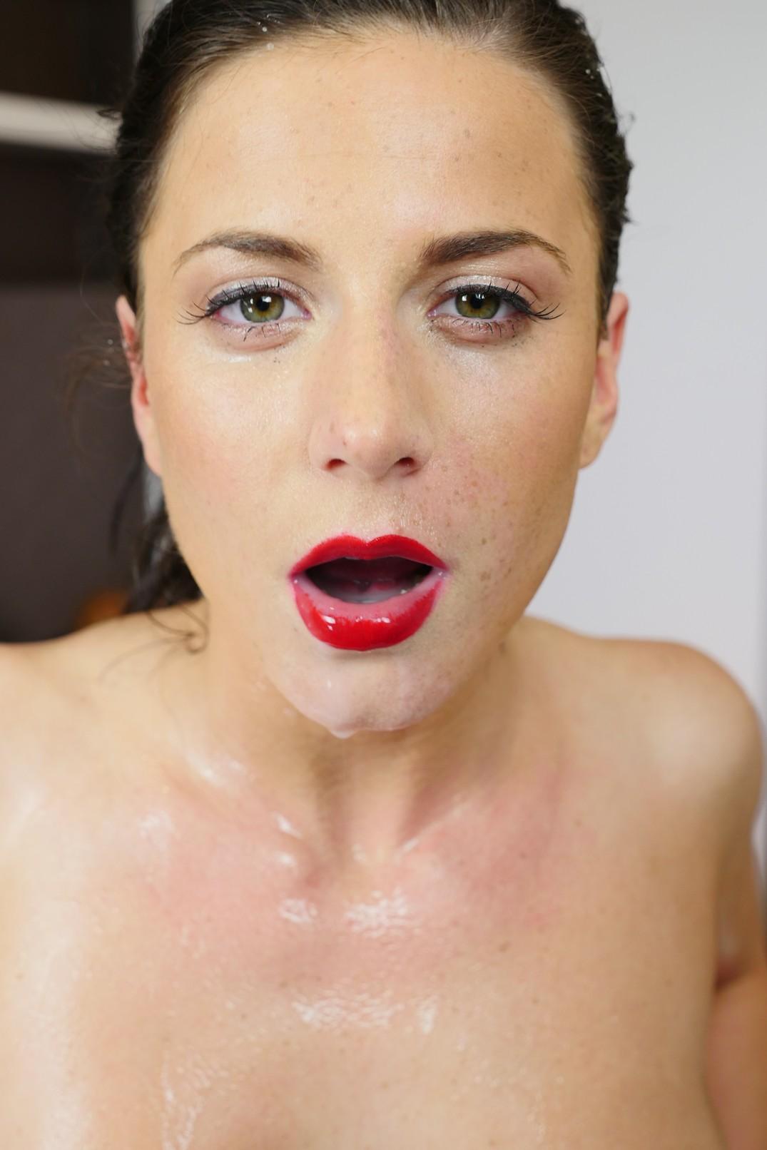 her twin face Cum