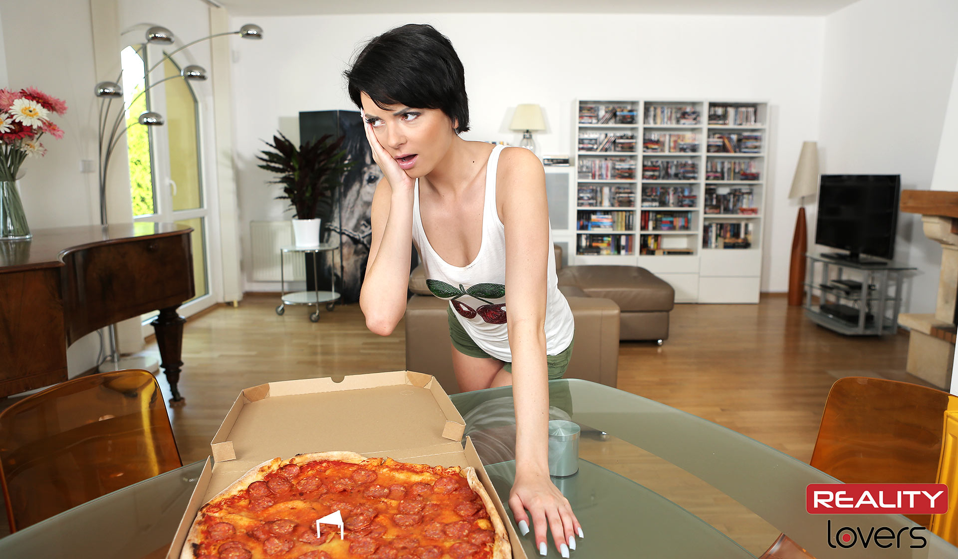 Do The Pizza Girl!