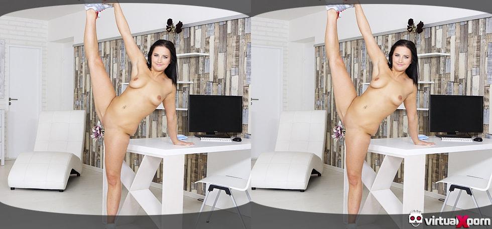 limber Asdis Loren stretching