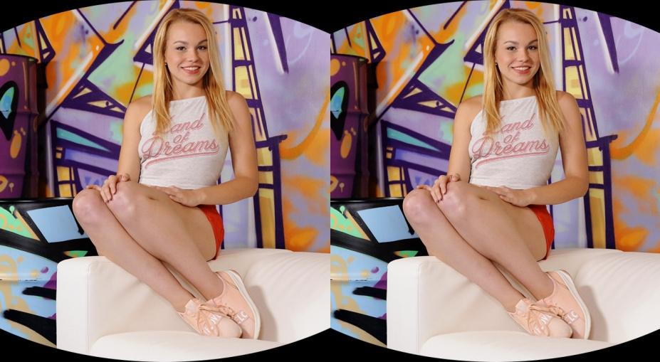 Blondie Loves Hardcore Pussy Rubbing