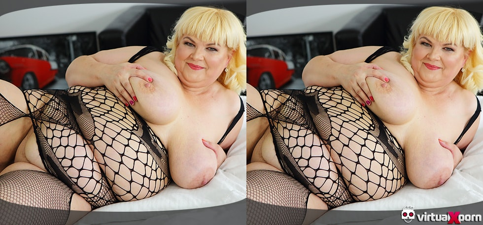 Sexy Girlfriend Blowjob Blonde