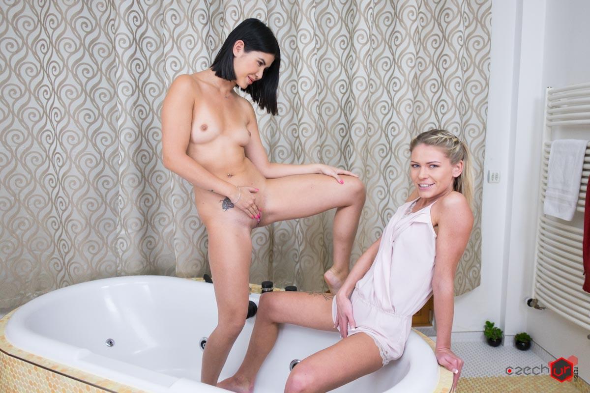 Mac and Dee's Bathroom Adventure