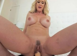 Brandi Love : Could You Handle A Milf Like Me?