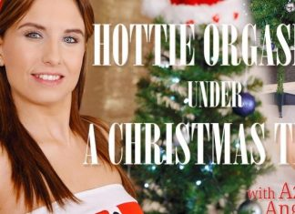 Hottie orgasms under a Christmas tree